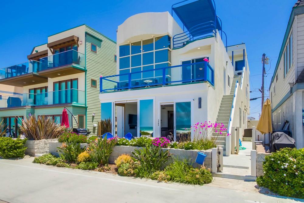 3585 Ocean Front Walk exterior