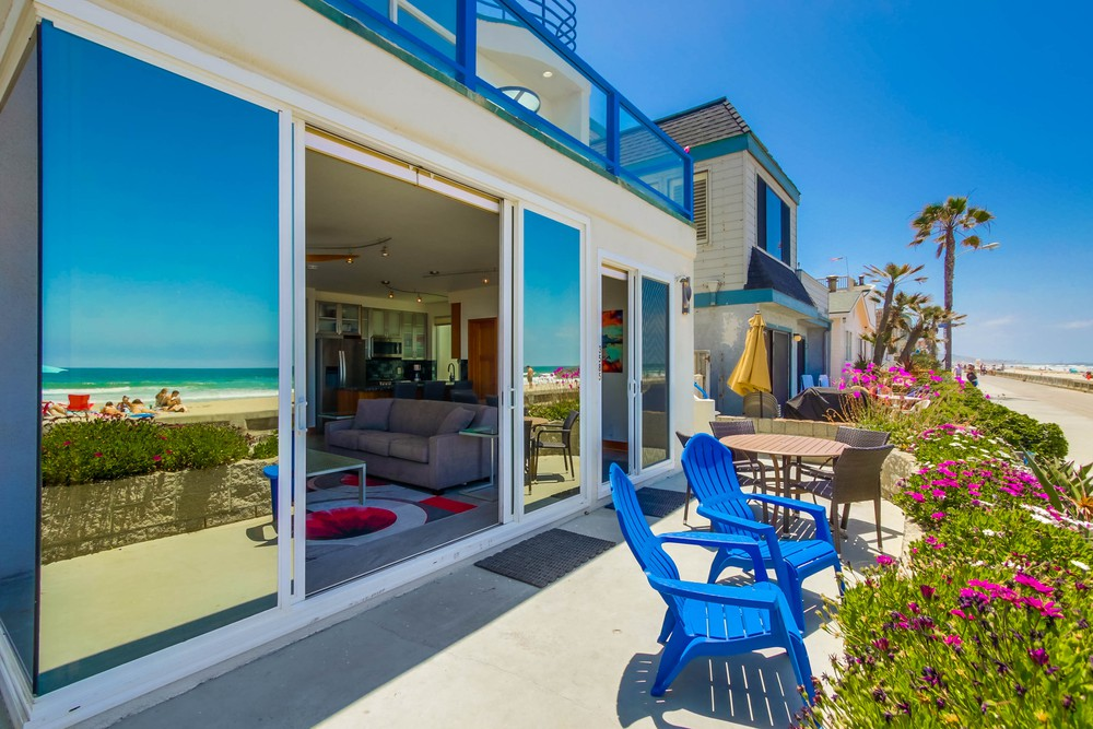 3585 Ocean Front Walk exterior Patio
