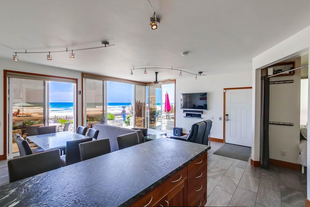 3585 Ocean Front Walk Dining Living