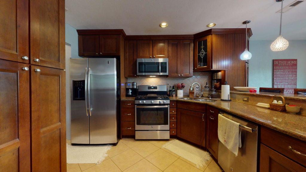 6577 Camino Capistrano kitchen